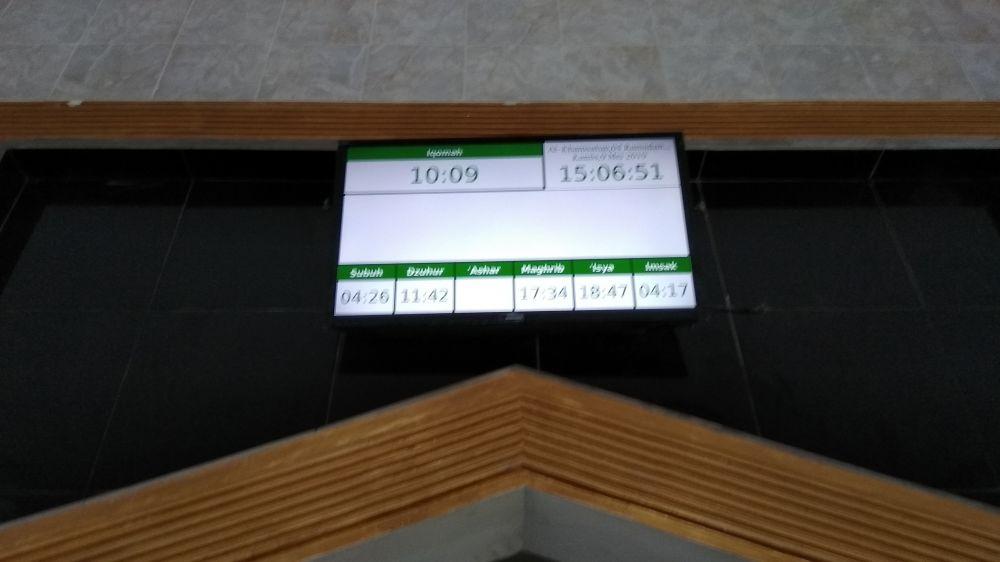 Jadwal Sholat Digital + hadist Banjarnegara selesai dipasang